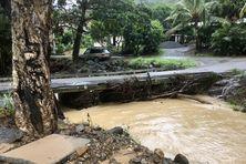 Le pont du lotissement Rolland à Païta victime des inondations