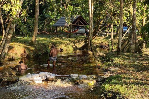 Le site Chuity Ya Naï Kaba sur la route d'Apatou