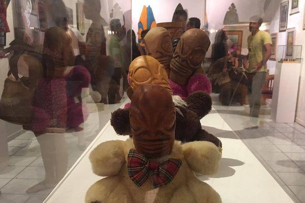 Les Tikis au centre d'une exposition de la galerie Winkler