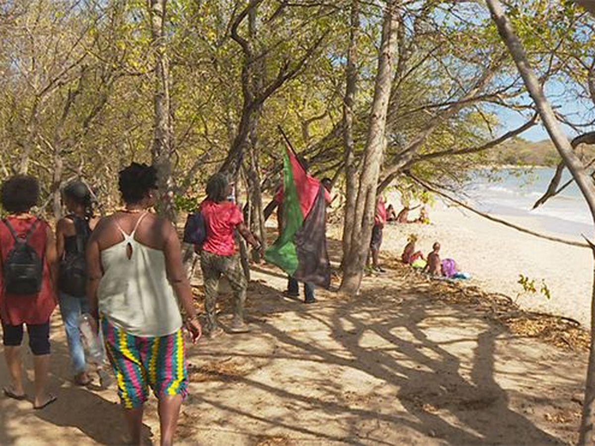 Les Nudistes De L Anse Moustique Pries De Se Rhabiller Martinique La 1er
