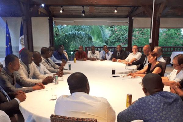 table des négociations Mayotte