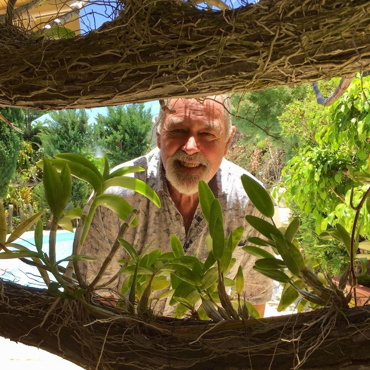 Bob Stirrup cultive quarante ans de passion pour ses orchidées