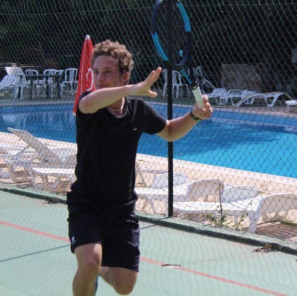 Le tennisman saint-pierrais Corentin Venot.