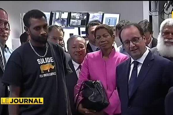 Visite éclair de François Hollande en Nouvelle Calédonie