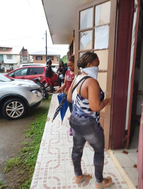 Aides alimentaires au village chinois à Cayenne