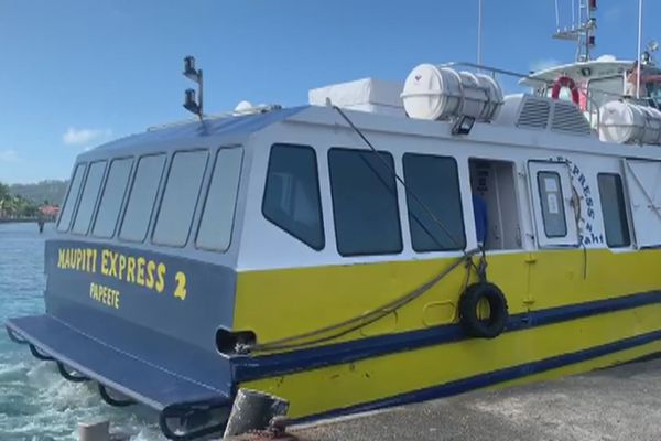 Maupiti Expresse /  Bateau