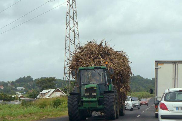 voitures sur les routes d eGuadeloupe