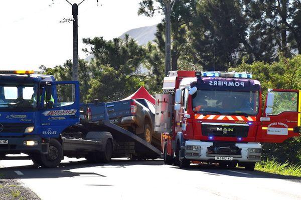 Enlèvement pick-up accident La Coulée route de la Corniche (25 juillet 2017)