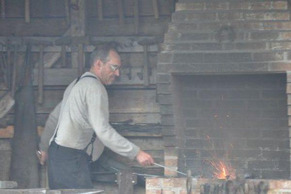 Parmi les habitations, la Forge Trefry où l'on peut découvrir l'activité du forgeron