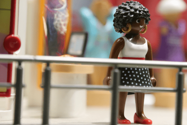 Playmobil noirs / coupe afro.