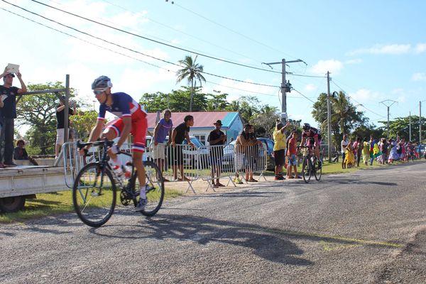 Victoire au sprint de Bouchard devant Ippolito à Nathalo.