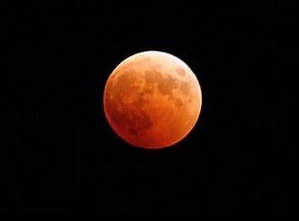 facebook lune rouge Matthias