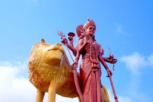 Statue géante de la déesse Durga île Maurice