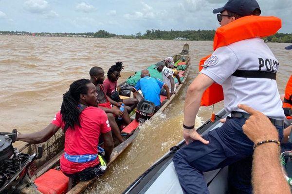 Coronavirus : la coopération sanitaire entre Saint-Laurent du Maroni et le Suriname