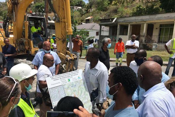 Ary Chalus sur les chantiers de l'eau de la Région au Gosier