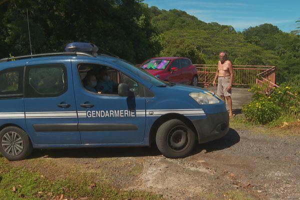 attaque chiens / gendarmes