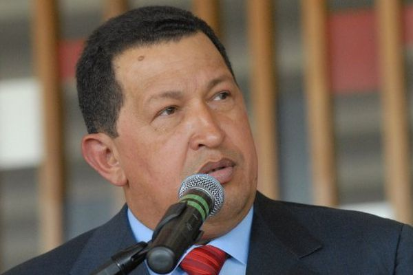 Hugo Chavez au micro .jpeg