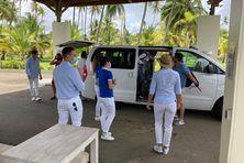 Le personnel et les GO accueillent les touristes au village vacances à Sainte-Anne