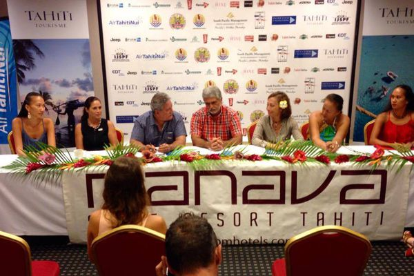 CP Tahiti Swimming Experience