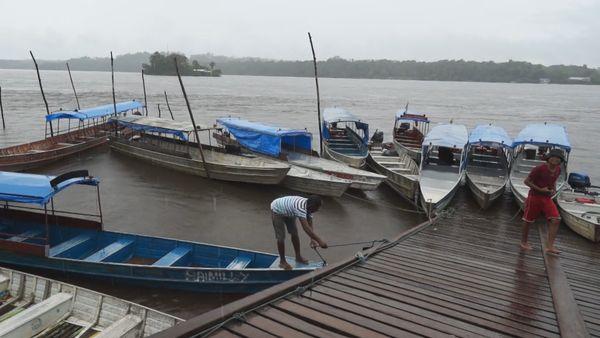 Les bateaux de Vila Vitoria à quai
