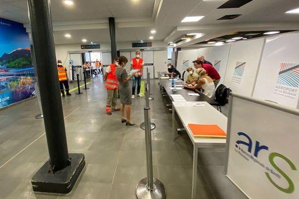 Déconfinement aéroport ARS contrôle arrivée 100520