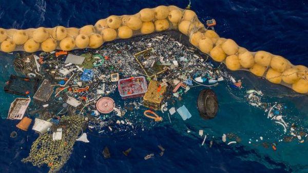 Le plastique empoisonne les océans