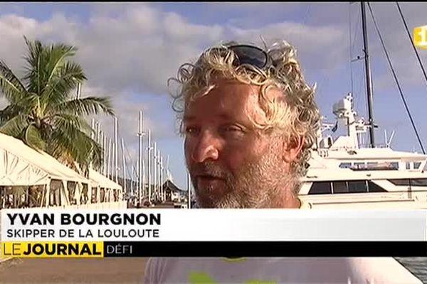 Escale à Tahiti pour Yvan Bourgnon en solitaire autour du monde sur un six mètres non habitable