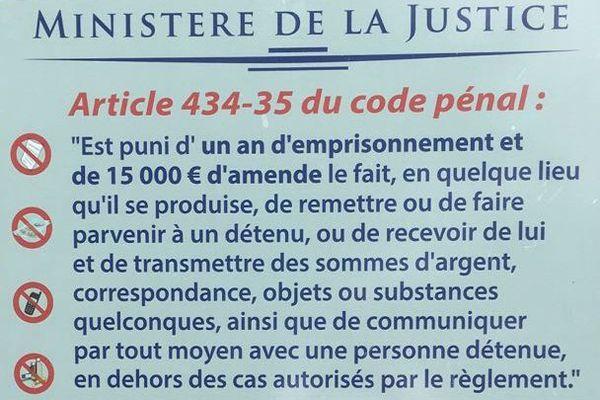 Panneau rappel reglement pénitentiaire