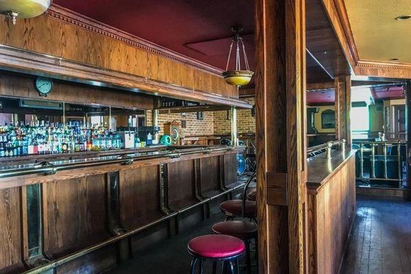 Le bar du Joinville à Saint-Pierre.