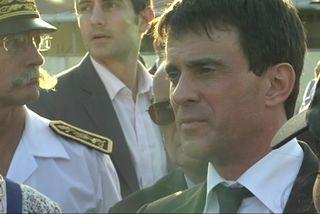 Manuel Valls au commissariat de Cayenne