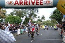 Les chances de prendre le maillot jaune s'amenuisent. Le tour de l'île cycliste 2013 est à mi-parcours.
