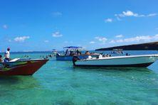 La foule de touristes au rendez-vous de la découverte des îlets.