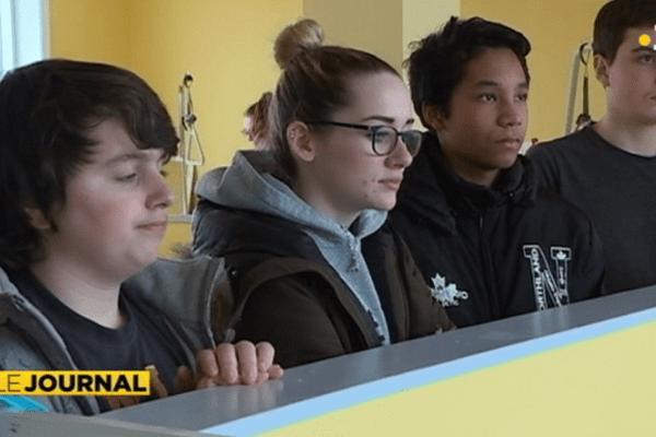 Jeunes au lycée Emile letournel
