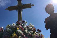 Johnny Boyer est le gardien du cimetière de Sainte-Anne.