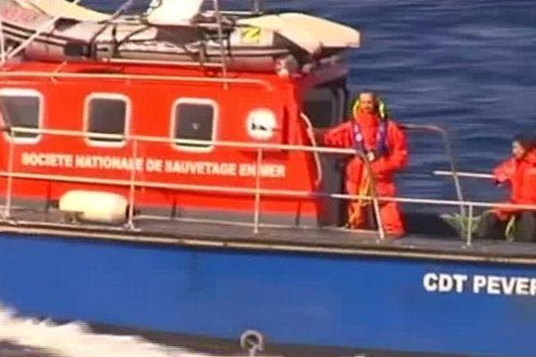 Les recherches pour tenter de retrouver Teddy Hoareau, disparu en mer depuis dimanche ont repris ce matin