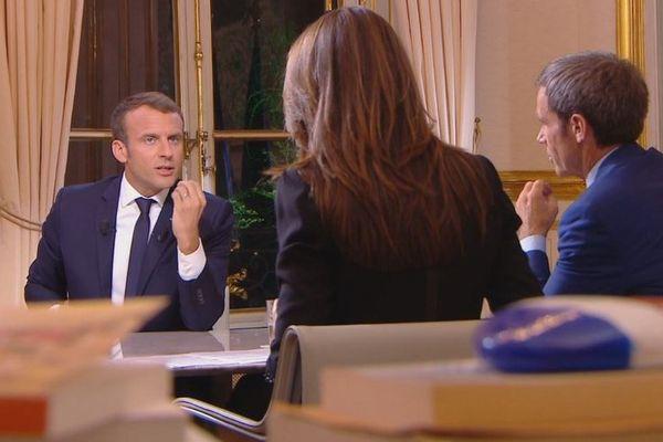 Retour sur la première interview télévisé d'Emmanuel Macron