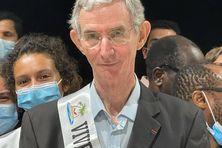 Le Dr Gabriel Carles lors de la cérémonie de départ à la retraite après 40 de service au CHOG à Saint-Laurent-du-Maroni