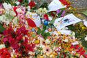 Le rassemblement sur le Parvis des Droits de l'Homme en hommage aux victimes des attentats à Paris