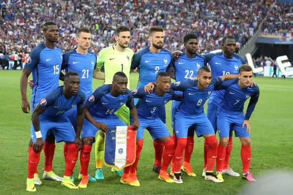 FOOTBALL – FRANCE / ANGLETERRE