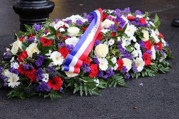 Gerbe de fleur à la mémoire de Clarissa Jean-Philippe