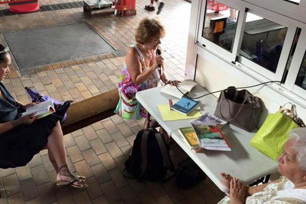 Lecture littérama'ohi au marché de Papeete