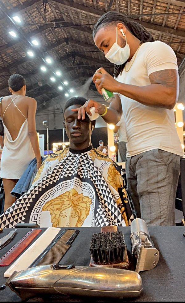 Nicolas Bravo le barber guyanais à l'oeuvre