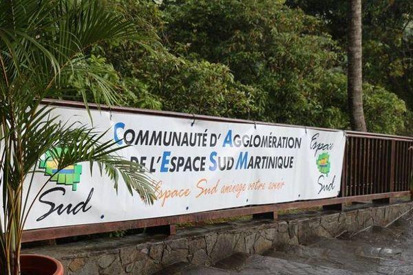 Banderole Espace Sud