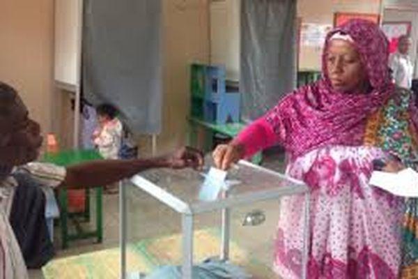 Opération de vote à Mayotte