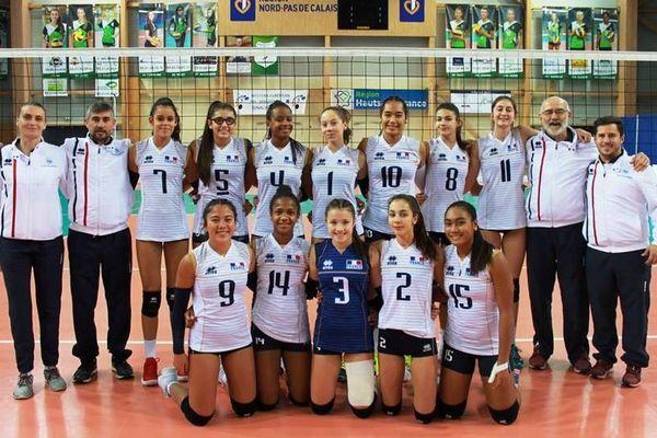Au tournoi WEVZA d'Harnes avec l'équipe de France U16 (n°14 agenouillée)