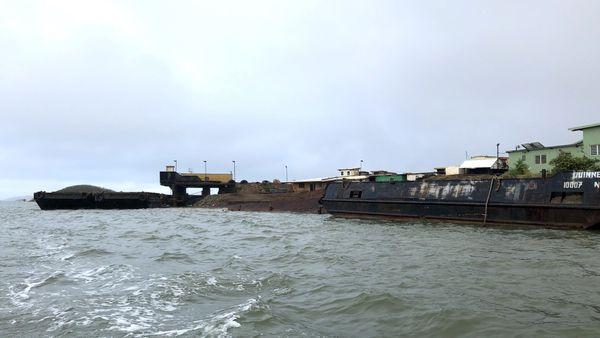 Opération anti-pollution en baie de Saint-Vincent, 15 février 2019, le wharf de Montagnat