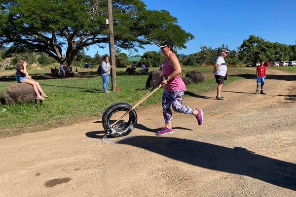 Course de pneus, à la villa-musée de Païta, 18 juillet 2021