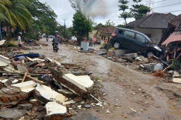 Un tsunami meurtrier a frappé l'Indonésie