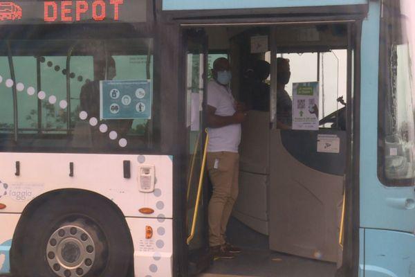 Le bus témoin pour les explications sur le process transport