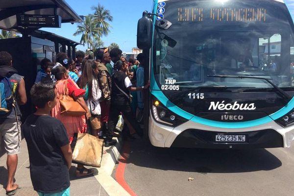 Premier jour du Néobus et du réseau Tanéo, 12 ocotbre 2019